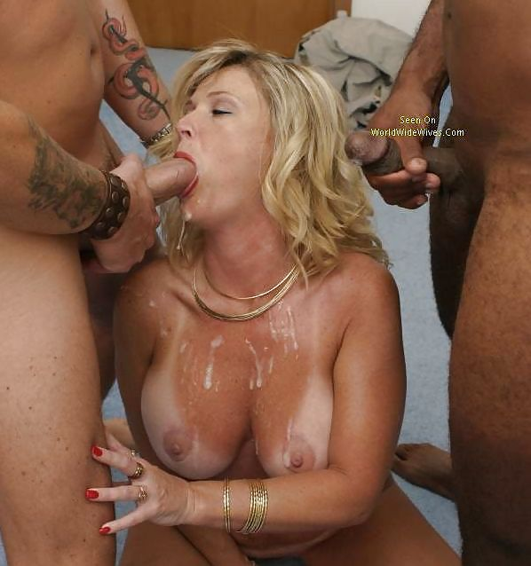 Milf do a group fuck