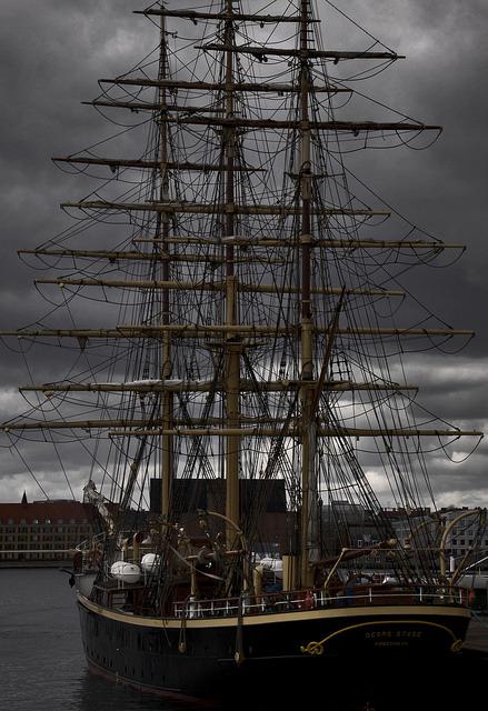 "shipsandships: "" 2016-04-09 by Giåm on Flickr. """