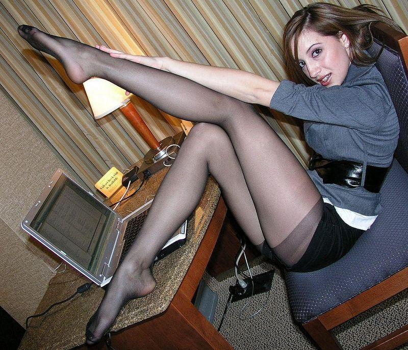 Секретарша в колготках фото