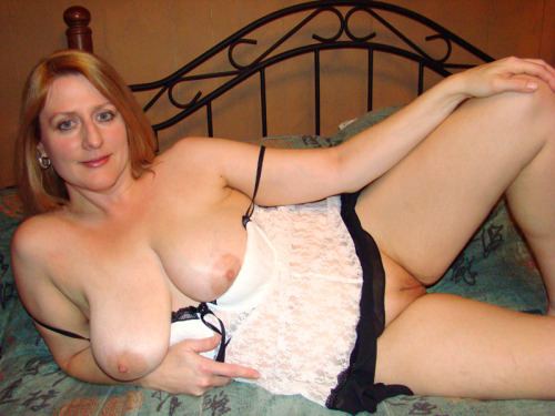 Bored UK Mums aka milfs - RT if you think this Oxfordshire milf ...