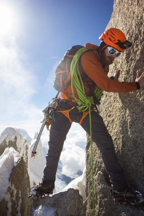www.boulderingonline.pl Rock climbing and bouldering pictures and news christianlanley: Arête des Cosmiques (5.6, AI2, M4) Chamonix,...