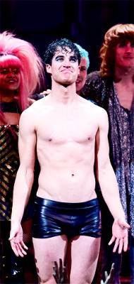DarrenIsHedwig - Pics and gifs of Darren in Hedwig and the Angry Inch on Broadway. - Page 2 Tumblr_nnlna3I3sH1rlylr1o2_250
