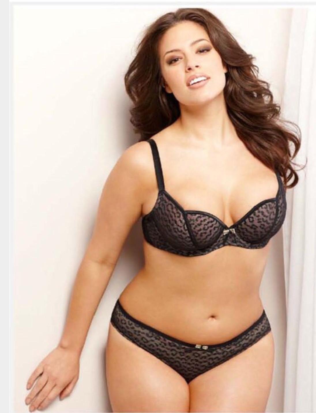 Ashley graham re4 sexy bikini xxx movie