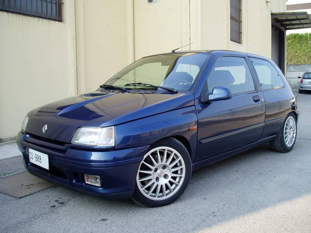 french cars since 1946 renault clio 16v hatchback sedan 1991. Black Bedroom Furniture Sets. Home Design Ideas