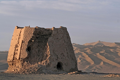 "abandonedandurbex: ""An abandoned watchtower from the Han dynasty (which existed at the same time as the Roman empire) at Dunhuang, the eastern end of the Silk Road. [2561x1704] Source:..."