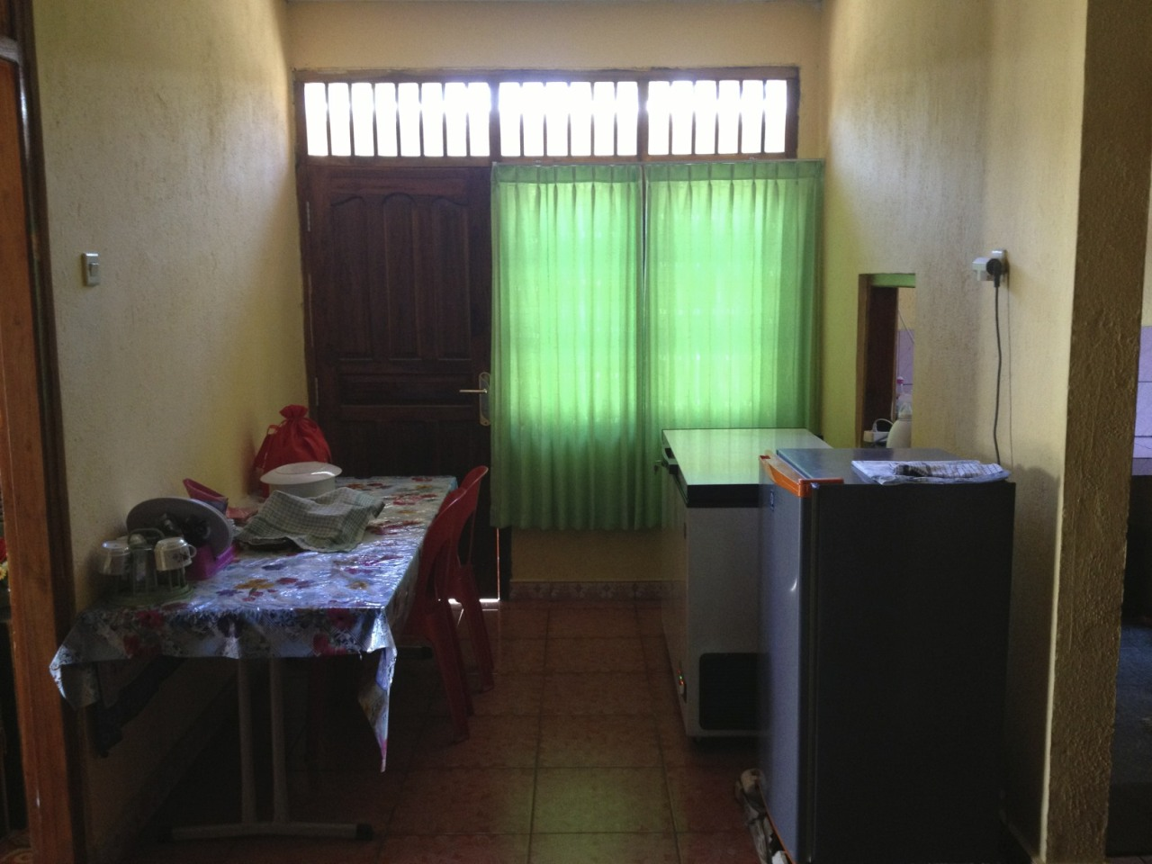 Alva k lim looking for a house to rent in dili 3 bedroom for Looking for a 4 bedroom