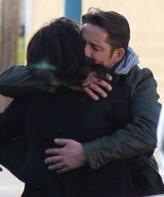 Le Outlaw Queen - Page 21 Tumblr_nme7lw9Dji1sfmcfro2_250