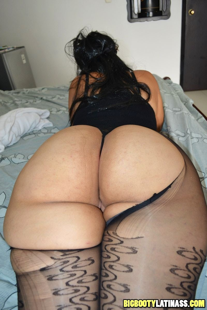 my wife shows big ass pics