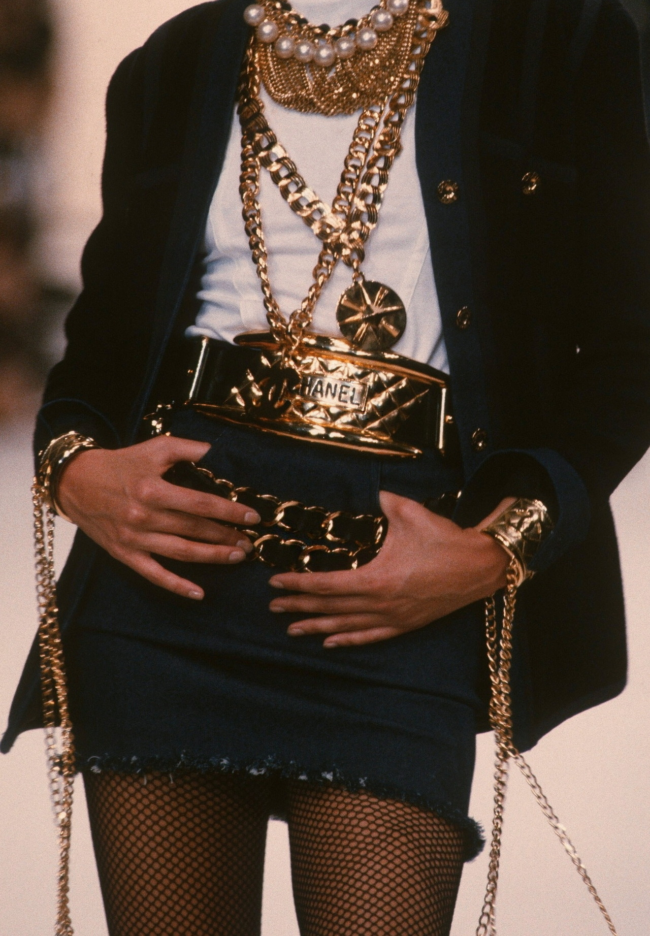 runwaydoll-chanel-1993
