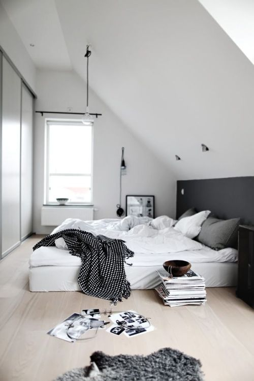 Minimalist bedrooms tumblr for Minimalist style bedroom