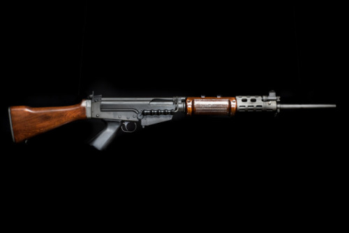 fal 762 7.62 rifle rifles gun guns shooting photos studio gunblr wood men man handgun beauty noice yep again
