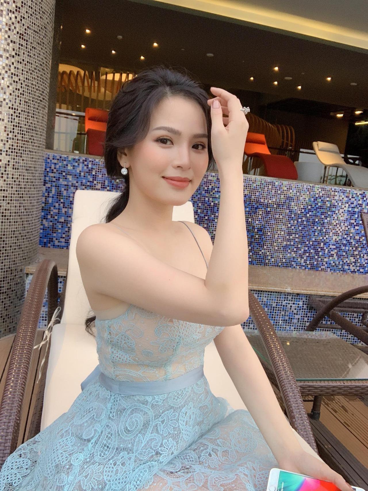 #agirlmagazine #sose.xyz #vietnamesegirls #vietnamesehotgirl