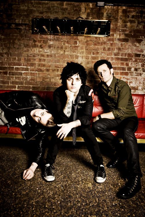 The bastards looking gorgeous as fuck because I'm sleep deprived  #green day#tre cool #billie joe armstrong #mike dirnt
