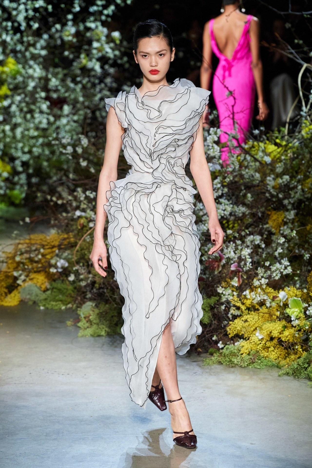 Jason Wu F/W 2020 #fashion#fashion photography#runway#runway model#runway details