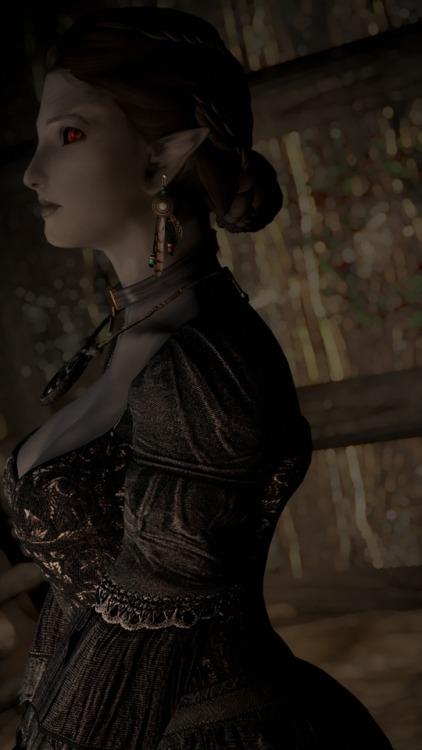 elder scrolls skyrim yarti dunmer mom mother mama dress outfit modding profile side portrait