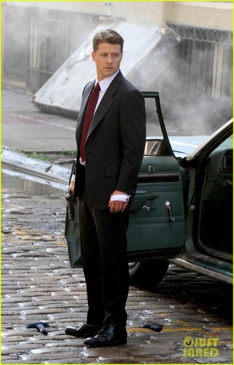 Gotham Tag Ben McKenzie Jim Gordon wOOF