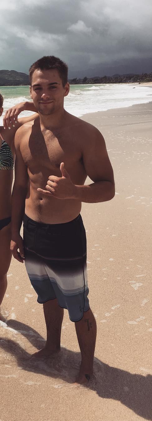 Shirtless Thomas