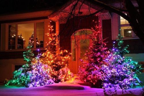 Colorful Christmas Lights Aesthetic.Colorful Christmas Ornaments Tumblr