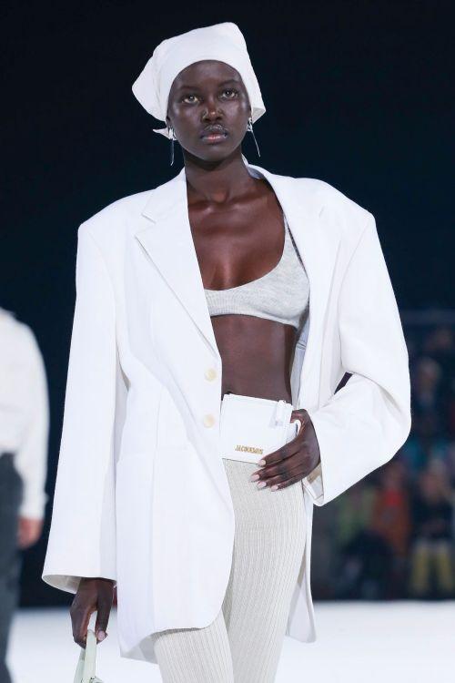 Adut Akech @ Jacquemus Menswear Fall/Wint 2020 #fashion#runway#adut akech#jacquemus#black models