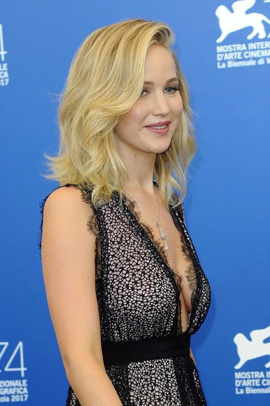 Jennifer Lawrence cute dress
