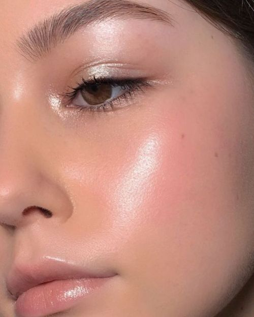 makeup beauty skincare skin highlight highlighter natural natural makeup brows eyebrows lips eyes simple simple makeup pretty
