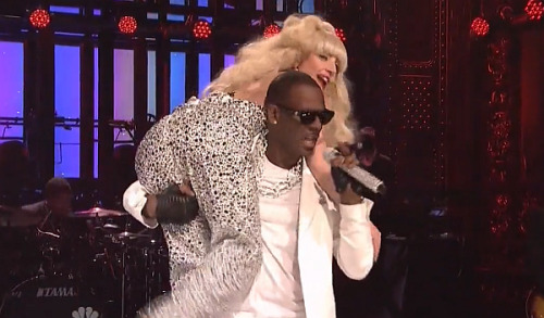 "Lady Gaga & R. Kelly Perform ""Do What U Want"" Live On Saturday Night Live"