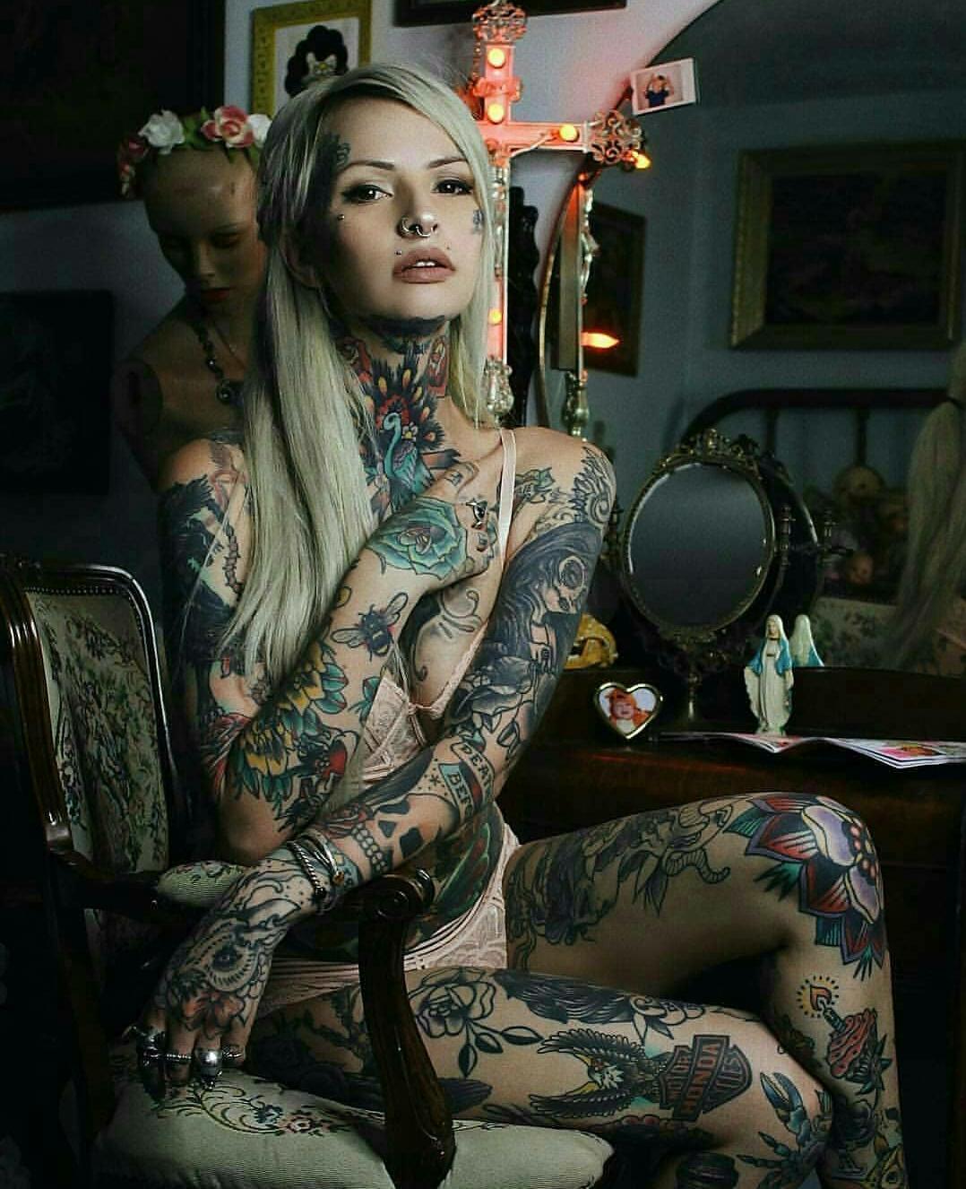 Si te gustan las chicas tatuadas, este es tu post! Entrá!