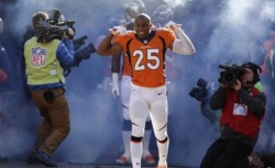 "kickoffcoverage:  Broncos, CB Chris Harris agree to five-year, $42.5M extension The Denver Broncos have reached an agreement with cornerback Chris Harris on a five-year contract extension worth 42.5 million, Mike Kils of the Denver Post first reported.According to NFL Media Insider Ian Rapoport, Harris will receive a $10 million signing bonus and $24 million in guarantees. Among all NFL cornerbacks, his contract ranks 12th in annual average.Harris has made a successful comeback from ACL surgery this season, tallying 43 tackles, 18 pass breakups, three interceptions and a sack for the Broncos (10-3).GM John Elway said Friday, ""It's a priority for us to develop and reward our own players. Whether on the field or in the community, we're proud to have Chris representing the Broncos for years to come.""In his three-plus years with the Broncos, Harris has picked off 10 passes, scored two touchdowns, forced a fumble and had three fumble recoveries.Harris has held opposing quarterbacks to a 46.9 passer rating on throws in his direction, per Pro Football Focus, ranking with Richard Sherman and Vontae Davis among the league leaders. He hasn't surrendered more than 50 yards receiving or a single touchdown in the last calendar year."