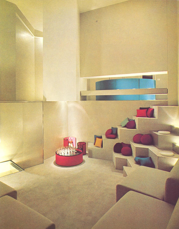 #popularmodernism#vintageinteriors#retrostyle#avantegardeinteriors#fantasyrooms#italiandesign#70s#1979#marcellopietrantoni#carlavenosta#milan#allestimentiponti