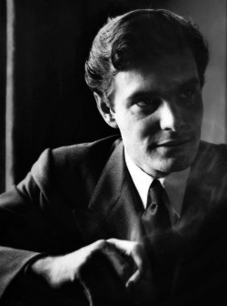 French actor Louis Jourdan
