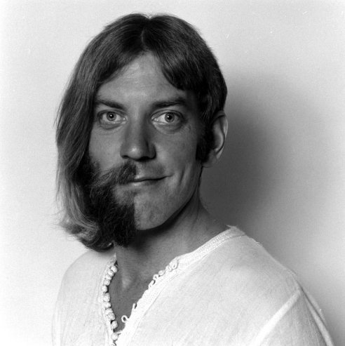 Hey #Movember men, maybe this photo of Donald Sutherland in 1970 will inspire you