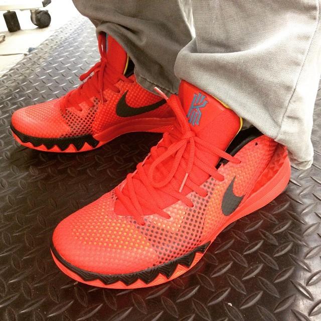 lowest price 47ddd 2daf1 nike kwazi red on feet
