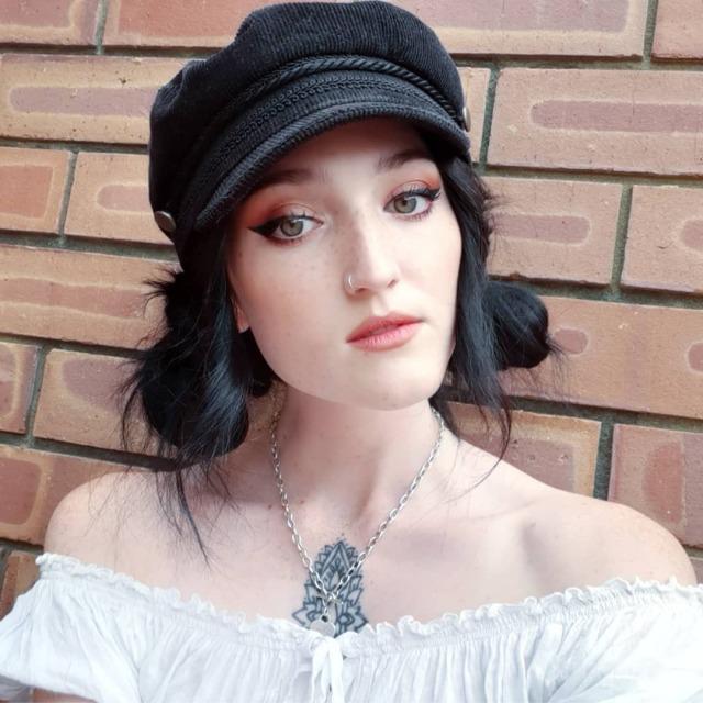winged eyeliner on Tumblr |Winged Eyeliner Tumblr Girls