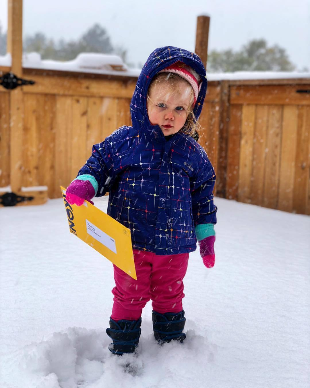 SNOW … LJ doesn't have any idea what is about to happen this year :) (at Hydle's)https://www.instagram.com/p/Bo66zA6H5X0/?utm_source=ig_tumblr_share&igshid=1bw62oa0rnjnt