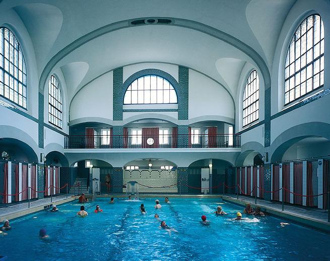 Willkommen-in-germany: Jugendstil-Schwimmbad in Viersen, Nordrhein-Westfalen, Northwestern Germany. …