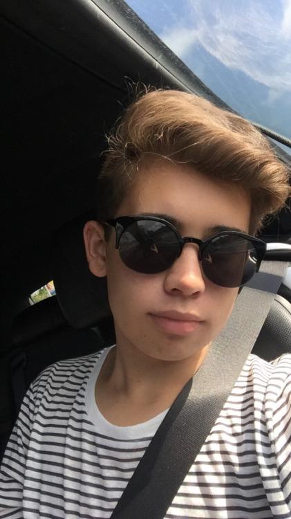 gay teen boys on Tumblr