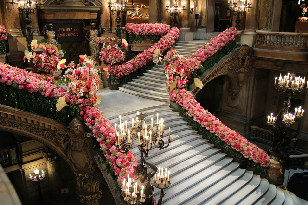"""Eric Chauvin, """"an undeniable star in high-end French Floral Art"""", is also known as """"The Little Prince of the Flowers"""" in Japan. """" """"I can't see a bouquet as a piece of architecture. I like to bring a garden packed with freshness into my home"""". (…)..."""