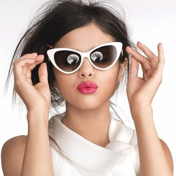 5086cc058c Try these super stylish sunglasses trends this fall to grab every eyeball.   1 Catty Eyes. image