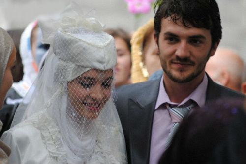 Bosnian Singles - Bosnian Personals - LoveHabibi
