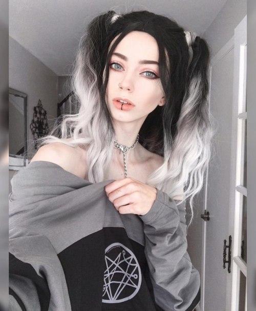 dark goth gothic nu goth gothgirl gothgoth alternative gothic blog gothic style