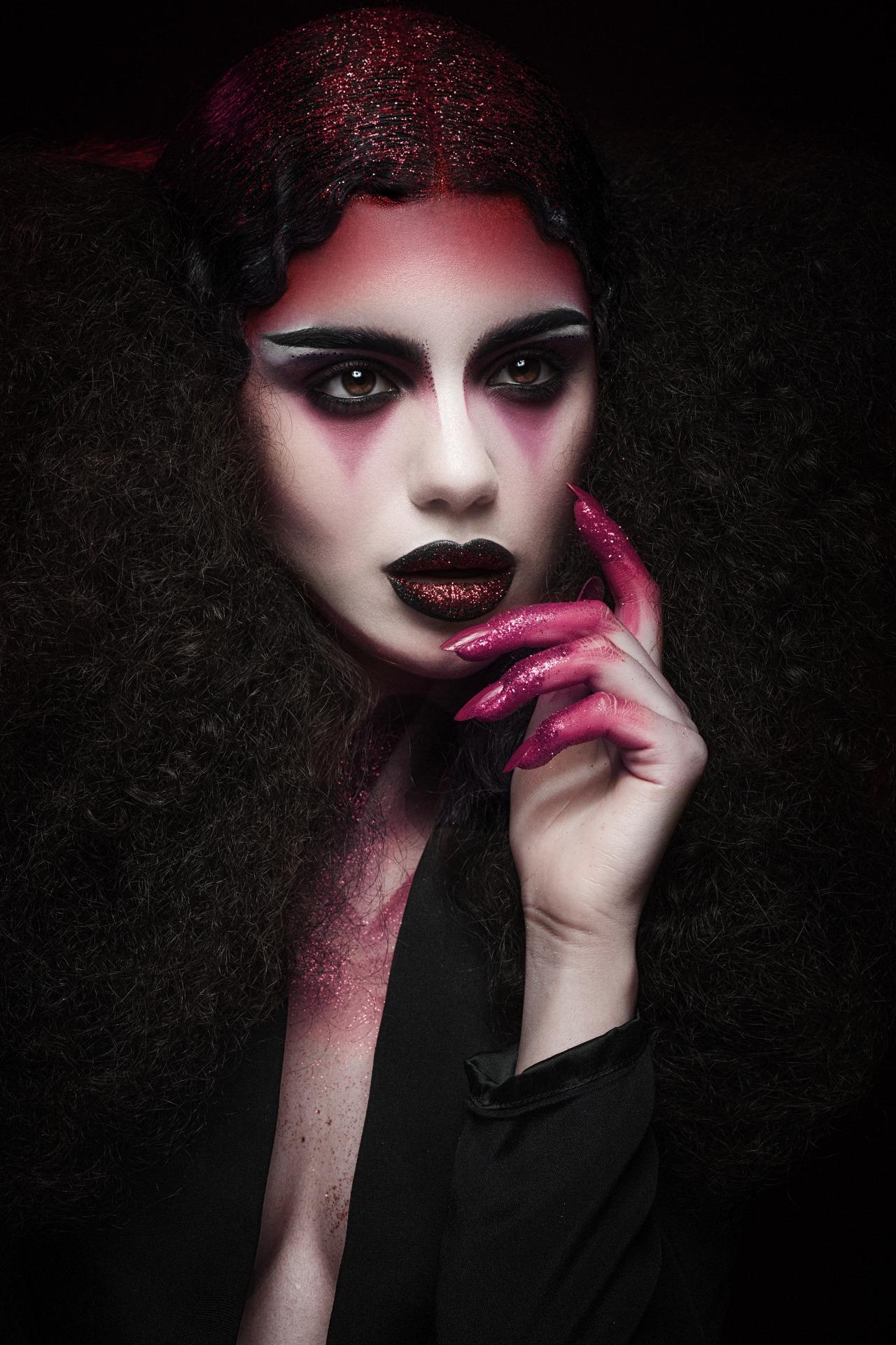 Vampire Kiss Back in August I had the pleasure... | Karla ...