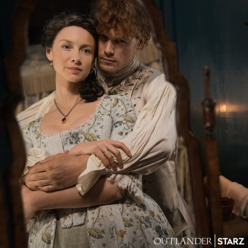 Claire (Caitríona Balfe) and Jamie Fraser (Sam Heughans) in Outlander, season 4 (2018-19)