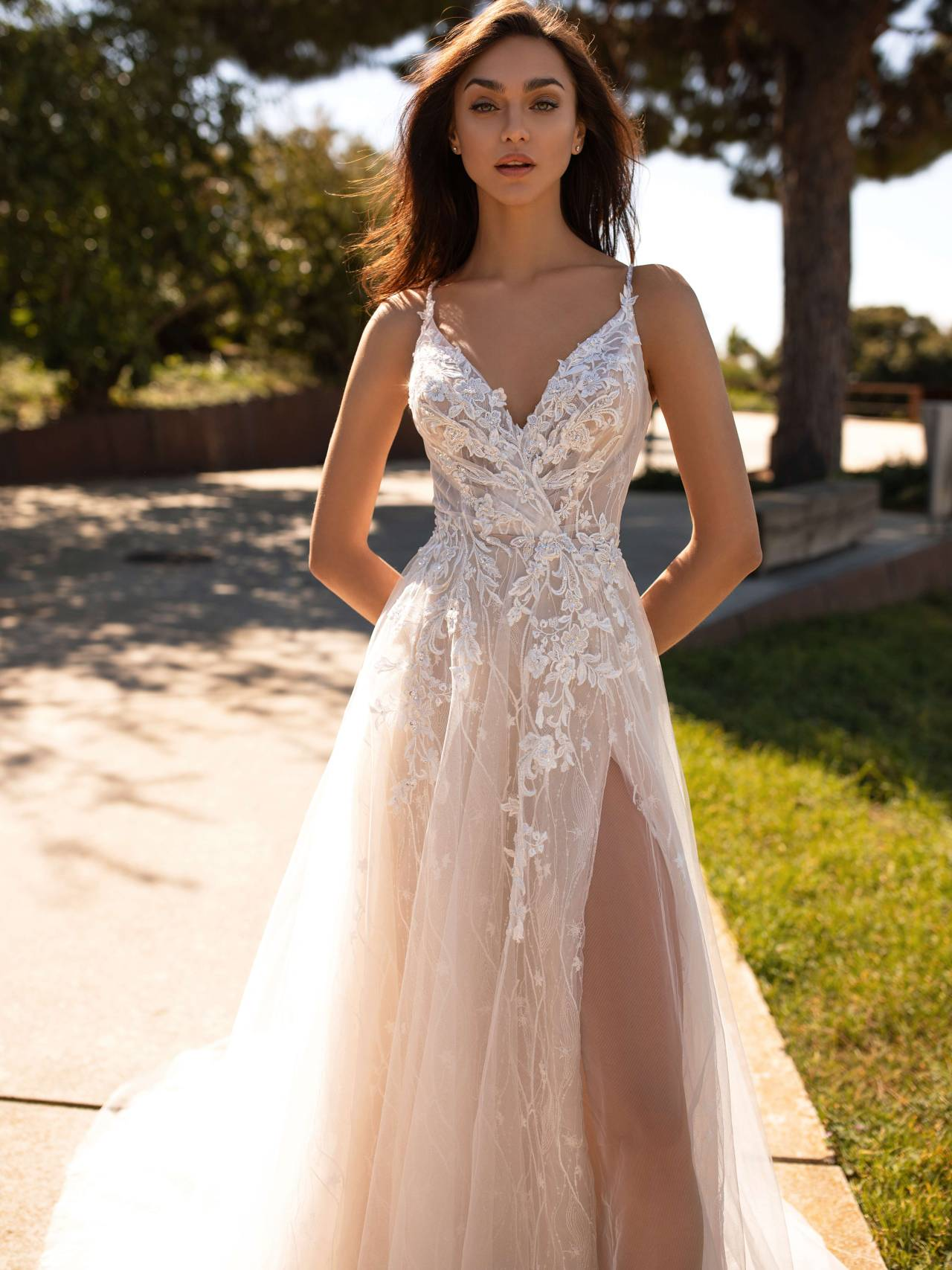 Blush A-line wedding dress with blooming floral and sensual open slit 😍 #pronovias#wedding#wedding dress#wedding gown#bridal#bridal gown#bride#malaysia#Kuala Lumpur#Pavilion KL