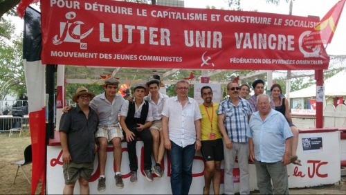 Avec Pierre Laurent qui nous a rendu visite sur notre stand #jcrew#double jc#mjcf #front de gauche #france#travailleur#catalan#jeunesse#communiste#left