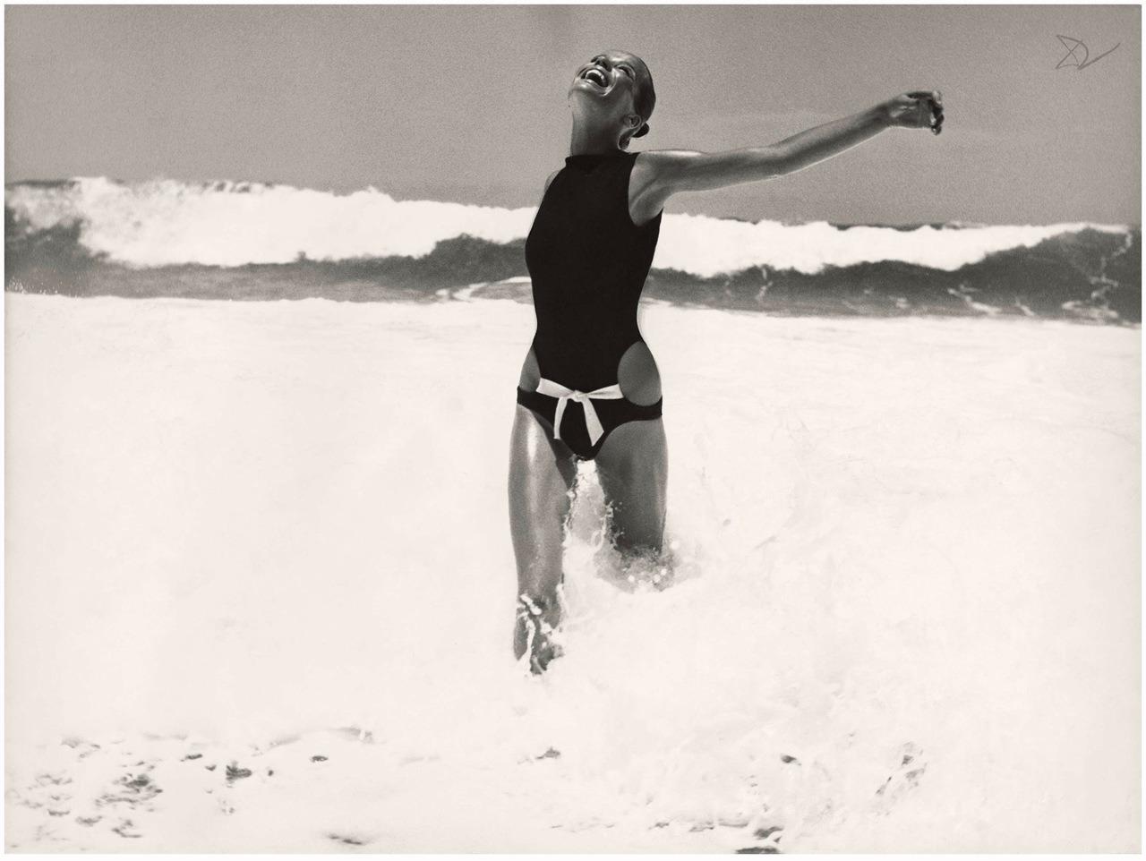 Veruschka photographed by Franco Rubartelli for Vogue,15 January, 1968. #veruschka#franco rubartelli#vogue#fashion#editorial#1960s#60s