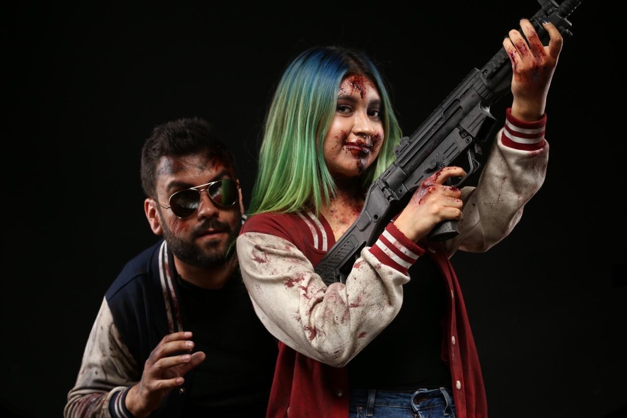 Don't worry, mi amor, I got this ☠️ #zombie apocalypse#couple#photography#photocouple#blood#green hair