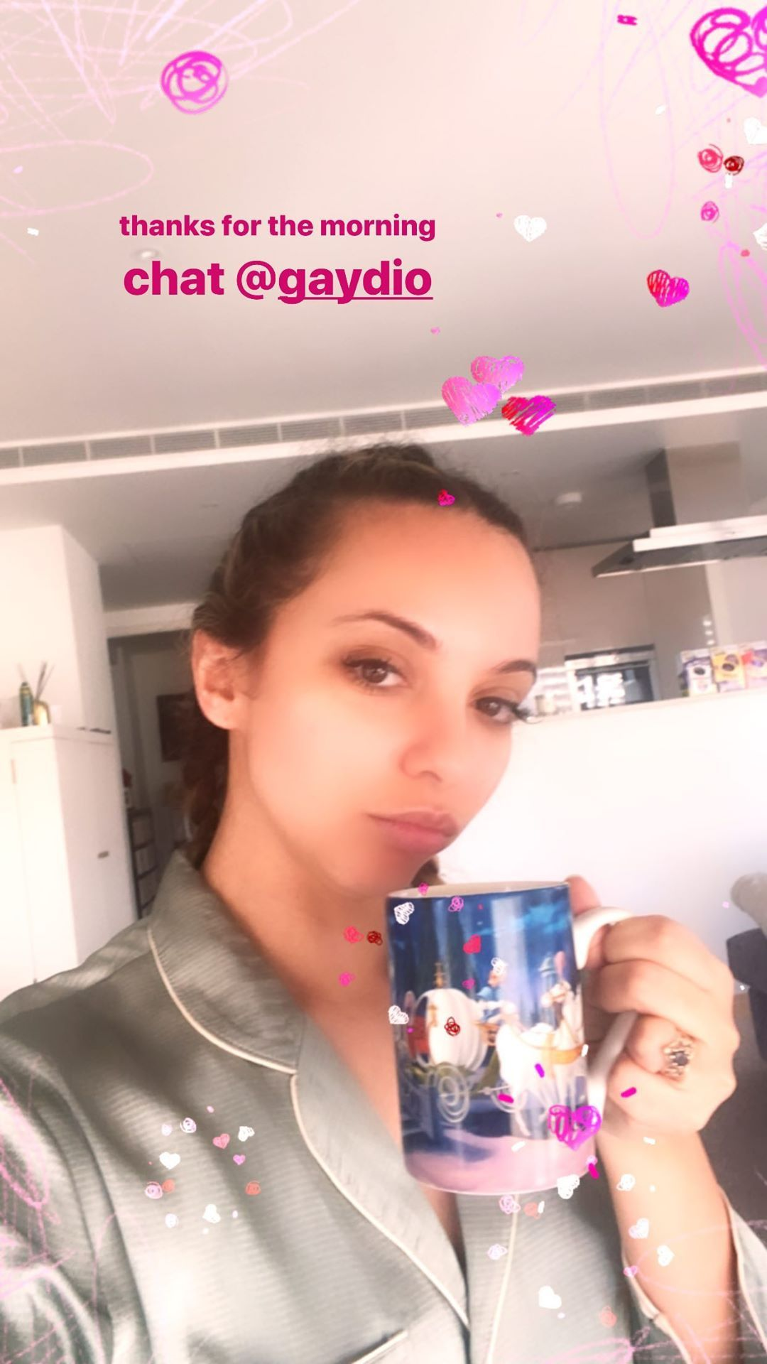 Jade via Instagram Stories, 7th April 2020 #jadethirlwall#jade#jade thirlwall#little mix #little mix news #instagram stories#filter#2020#070420#selfie#home#quarantine#gaydio