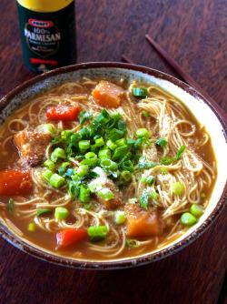 レトルトカレーとお湯とそうめんを2分煮込むだけの「カレーにゅうめん」が超ウマい!: 料理勉強家ヤスナリオのブログ