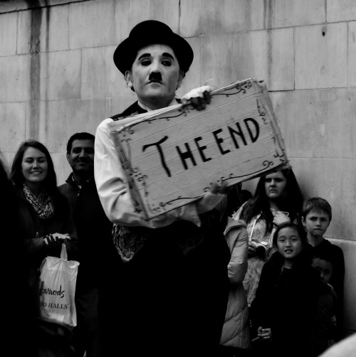 street art Street Photography Street photoshoot Charlie Chaplin the end london photography black and white photographers tumblr Italian photographers
