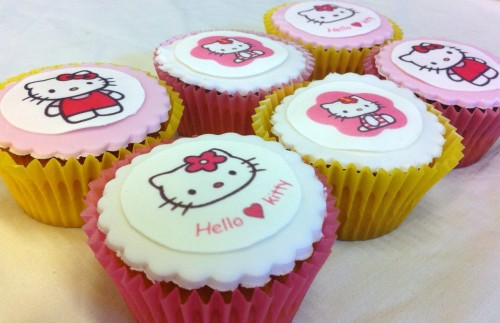 kitty hello kitty kitty white cupcakes pink white ♥